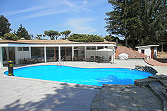 Luxury property for sale in Italy Piemonte - Luxury Property and Swimming Pool with split units