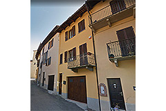 Village house in prestigious Barolo Town - Beautifully restored ancient village house in the heart of the famous Langhe region
